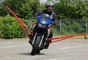 schraeglagentraining-motorrad-stade-buxtehude-schwerin-01
