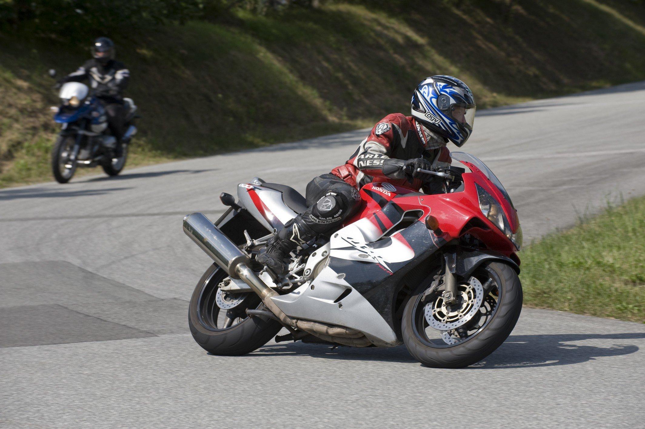 Motorrad-Sicherheitstraining-Kurventraining-073
