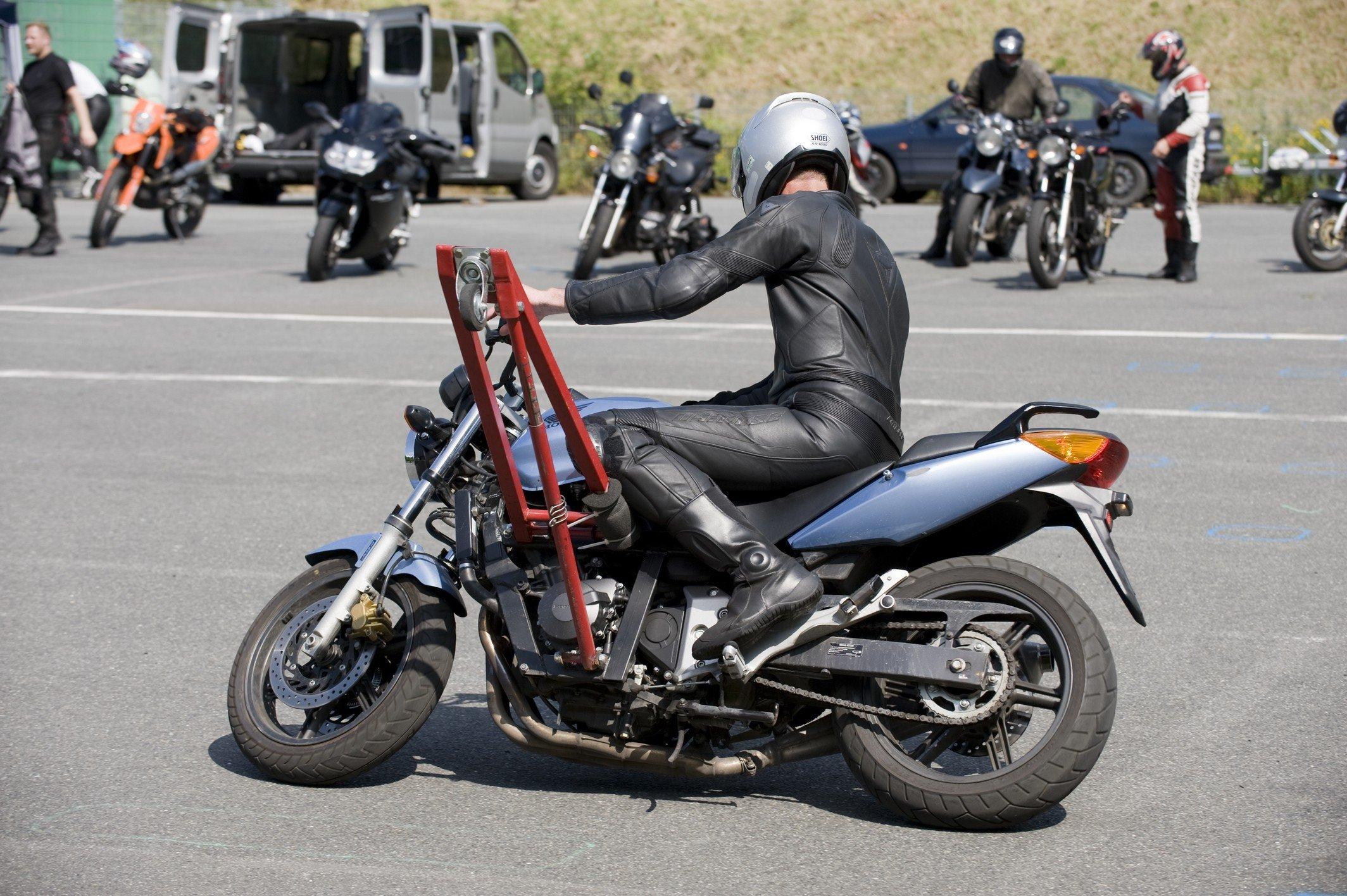 Motorrad-Sicherheitstraining-Schraeglagentraining-006